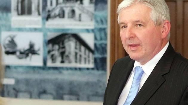 Premiér v demisi Jiří Rusnok na olomoucké schůzce s primátory Olomouce, Přerova a Prostějova