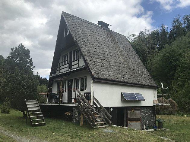 Chata paní Hany, která jezdí do malebného údolí Trusovky přes 50let.