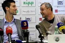 Marián Vajda (vpravo) a Novak Djoković na snímku z roku 2012