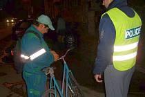 Policejní hlídky kontrolovaly cyklisty
