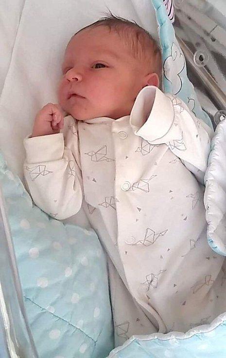 Jakub Pilát narozen 9. října míra 51 cm, váha 3330 g