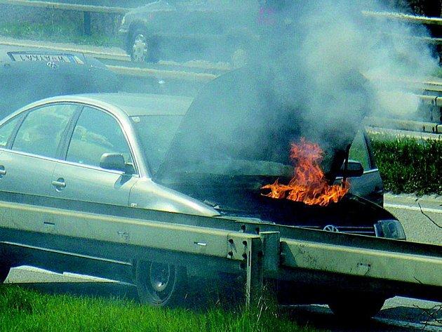 Požár na dálnici.