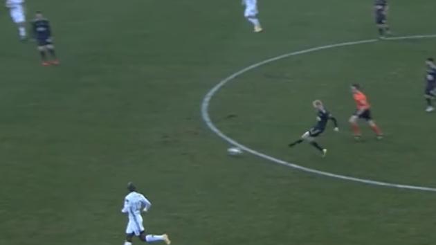 Václav Jemelka parádně přihrává na gól