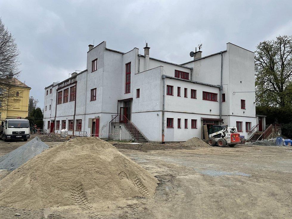 Sokolovna v Litovli prochází rekonstrukcí, 29. dubna 2021
