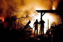 Hasiči zasahují u požáru ve Věrovanech