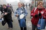 Olomoucká demonstrace stávkujících státních zaměstnanců před RCO