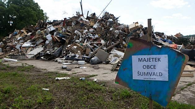 Šumvald 14 dní po přívalových povodních
