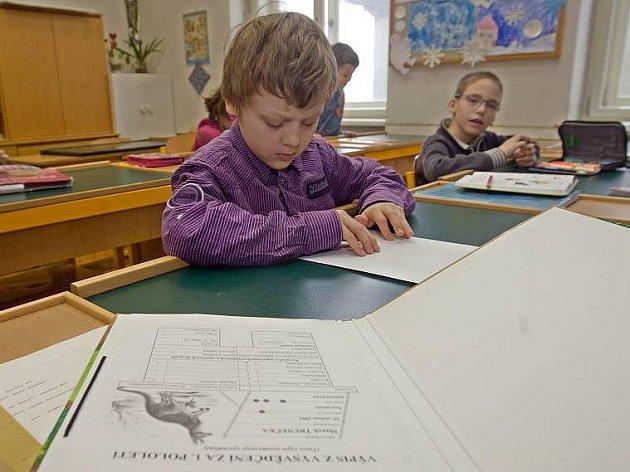 Předávání vysvědčení na ZŠ pro zrakově hadicapované děti v Litovli