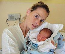Daniel Květoň, Dubčany, narozen 10. června v Olomouci, míra 49 cm, váha 2730 g.