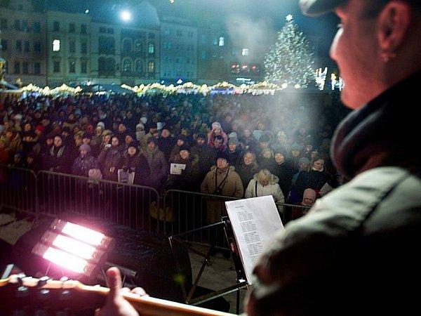 Česko zpívá koledy na Horním náměstí vOlomouci
