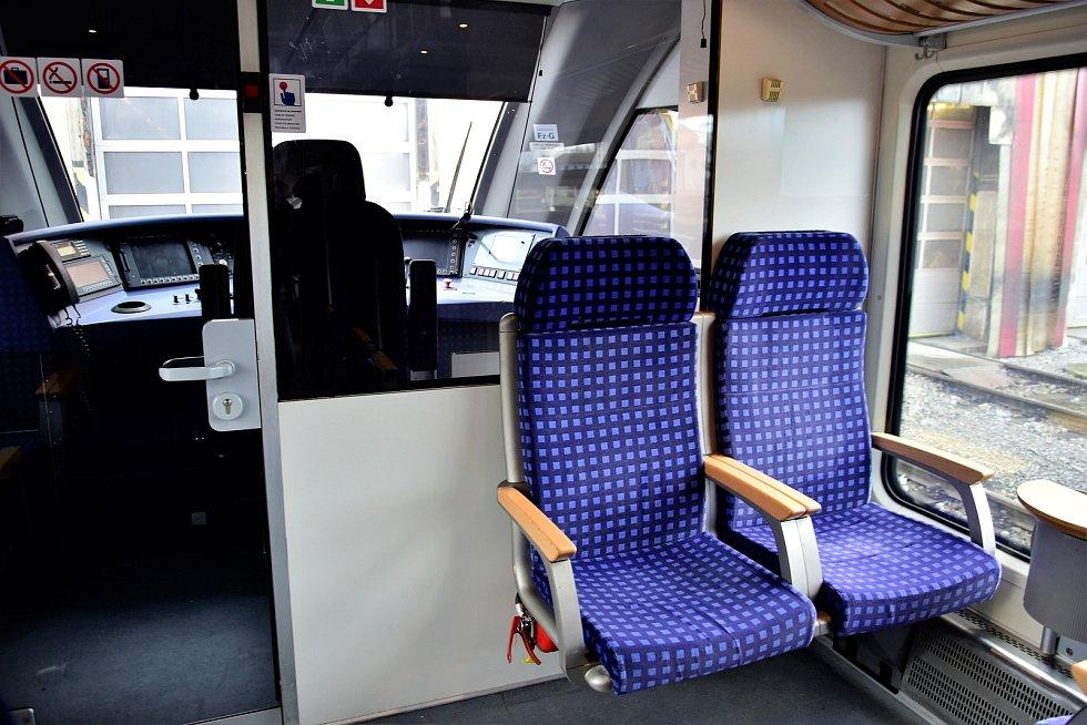 Představení jednotky řady 646 výrobce Stadler Pankow v olomouckém depu Českých drah, 10. 2. 2020