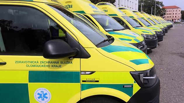 Nové sanitky pro záchrannou službu Olomouckého kraje