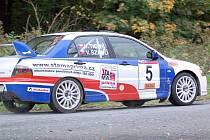 Viktor Szabó na mitsubishi vyhrál loňský ročník Rally Jeseníky.