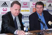 Předseda představenstva SK Sigma a Jaromír Gajda (vlevo) a sportovní ředitel klubu Jiří Kubíček.