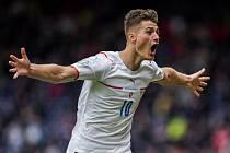 Patrik Schick - Utkání ME ve fotbale Skotsko - ČR v Glasgow, Patrik Schick z ČR se raduje ze druhého gólu.