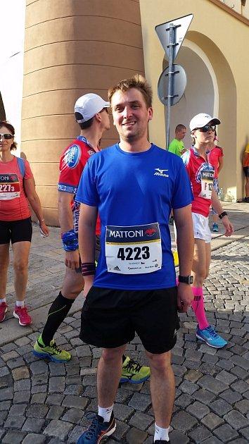 Jan Kopecký běžel celých 21kilometrů poprvé. Závod si užil