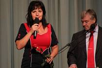 V Kulturním domě v Mariánském údolí, místní části Hluboček, v sobotu 3. listopadu vystupovali Eva a Vašek.