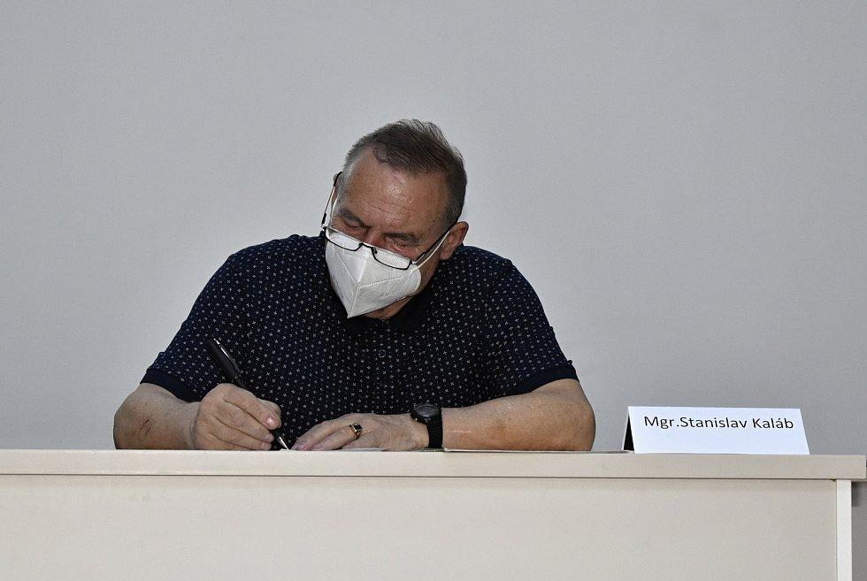 Volební valná hromada Olomouckého krajského fotbalového svazu v BEA centru. Stanislav Kaláb vedl z pozice předsedy krajský fotbal osm let. 31.3. 2021