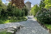 Obnova sítě cest v lesoparku u šternberského hradu, 19. května 2021