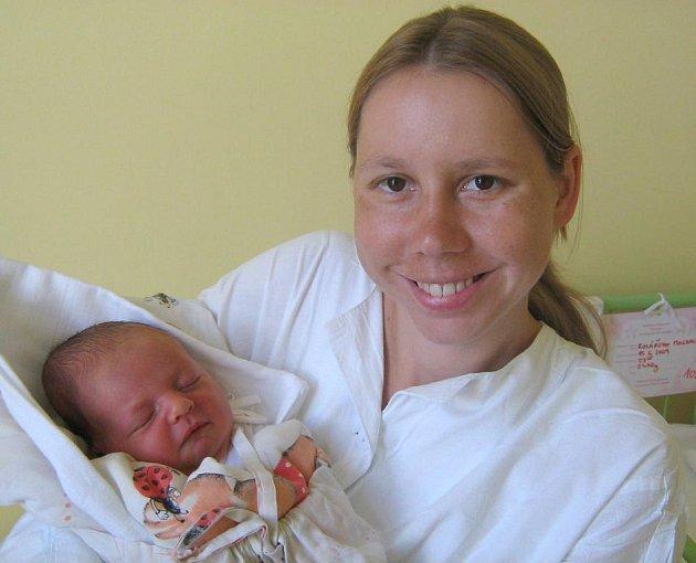 Magdalena Kolářová, Olomouc, narozena 15. června v Olomouci, míra 51 cm, váha 3430 g