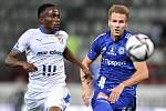 Utkání 8. kola první fotbalové ligy: SK Sigma Olomouc - FC Baník Ostrava 17. září 2021 v Olomouci. (zleva) Collins Yira Sor z Ostravy a Ondřej Zmrzlý z Olomouce.