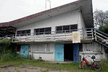 Pozůstatky bývalé restaurace na Poděbradech