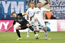 Finále fotbalového poháru MOL Cupu: FC Baník Ostrava - SK Slavia Praha, 22. května 2019 v Olomouci. Zleva Milan Škoda a Martin Šindelář.