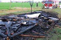 Následek požáru zahradního domku u Pražské ulice v Olomouci