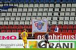 Prázdná tribuna po protestu fans
