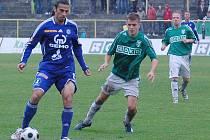 Záložník Sigmy Daniel Rossi (s míčem)