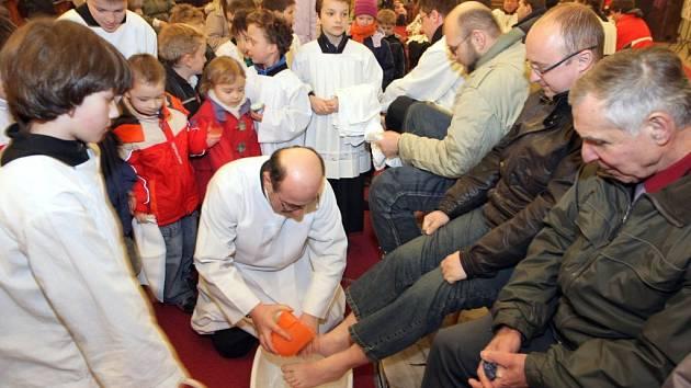 23a20555acf Zelený čtvrtek  nezvoní se a myjí se nohy. Víte proč  - Olomoucký deník