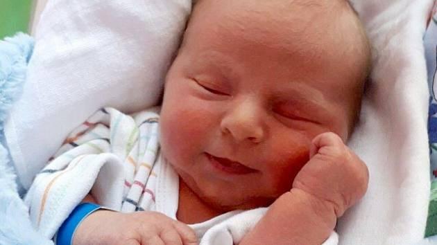 Denis Jón, Horka nad Moravou, narozen 13. dubna v Olomouci, míra 49 cm, váha 2840 g
