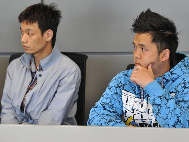 Minh Ho Van (vlevo) a Van Hoang Phan obžalovaní za krvavou bitku před olomouckou diskotékou Varna