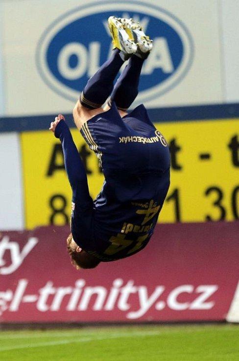 Oslavné salto Adama Varadiho