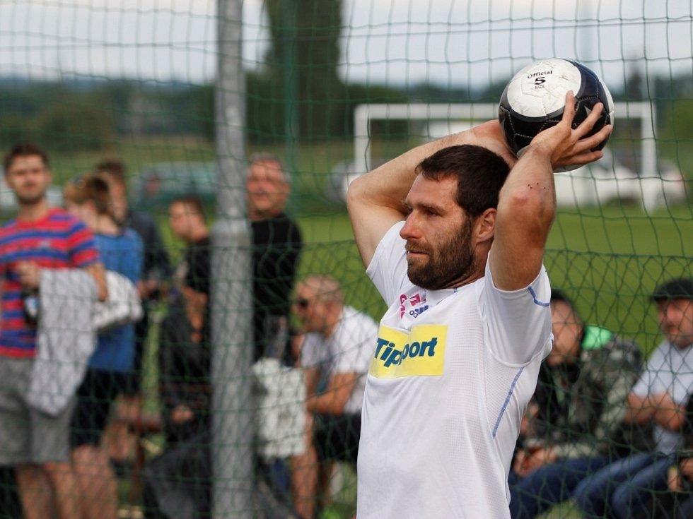 Turnaj v malé kopané - olomoučtí hokejisté s fanoušky, Martin Vyrůbalík