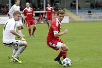 Jan Ambrozek (u míče)