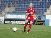 Olomoučtí fotbalisté (v červeném) remizovali se Slováckem 0:0Václav Jemelka