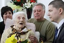 Libuše Šimková oslavila ve Šternberku 100. narozeniny