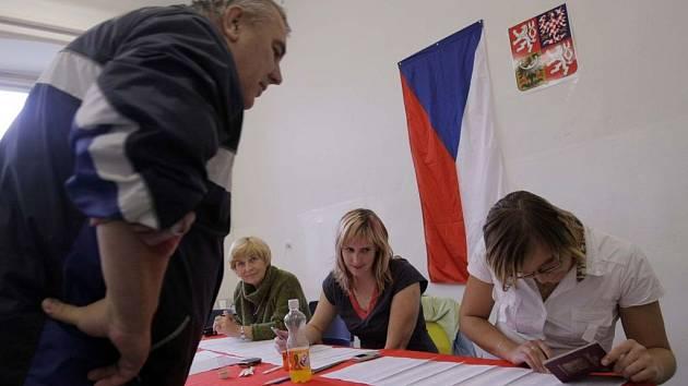 Krajské volby v Olomouci: volební místnost v Aksamitově ulici
