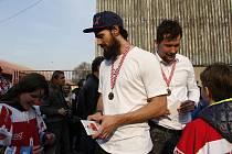 David Ostřížek. Loučení hokejistů HC Olomouc se sezonou ve společnosti fanoušků
