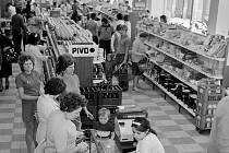 70. léta v socialistické samoobsluze. Ilustrační foto