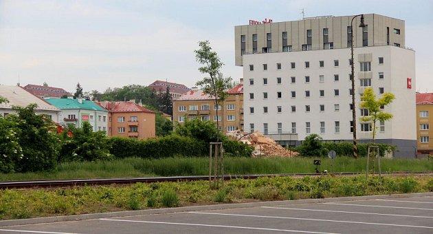 Květen 2015.Pokračuje demolice bývalé sladovny uWolkerovy ulice vOlomouci