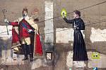 Září 2018: Dalibor Vybíral přidal Marii Curie-Sklodowskou ke králi se selfie tyčí v proluce v Denisově ulici v centru Olomouce