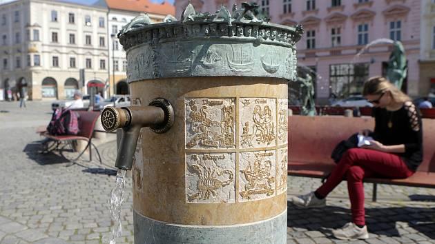 Z nových pítek v centru Olomouce opět teče voda.