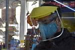 Trojitá ochrana před koronavirem ve večerce v olomoucké místní části Nové Sady