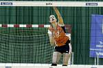 Olomoucké volejbalistky (v oranžovém) podlehly Prostějovu 0:3 Ivana Mifková