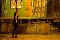 Charlize Theron ve filmu Temné kouty
