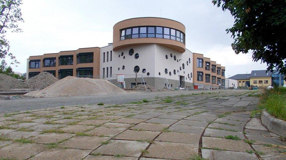Novostavba waldorfské školy a školky v olomoucké čtvrti Hejčín, 14. července 2021