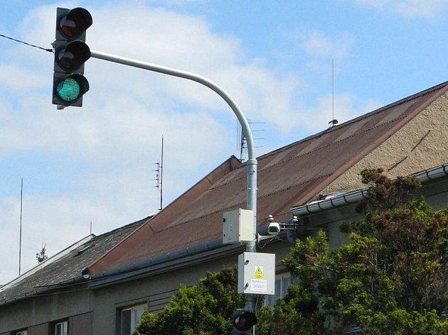 Zastavovací semafor v Kožušanech-Tážalech