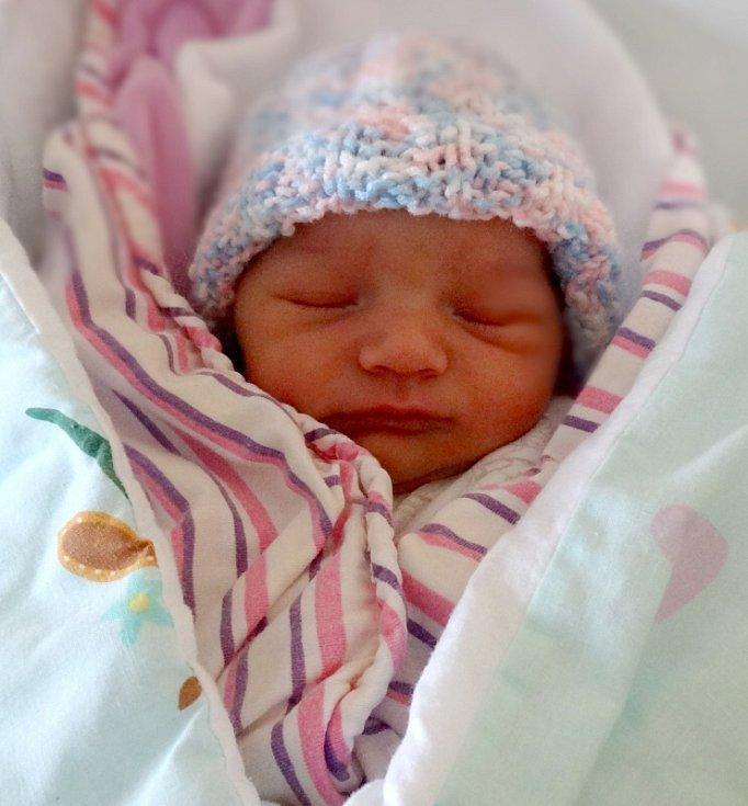 Natálie Studničková, Olomouc narozena 3. prosince míra 50 cm, váha 3100 g